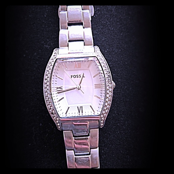 e2ec16642 Fossil Accessories | Gently Loved Womens Silver Watch | Poshmark